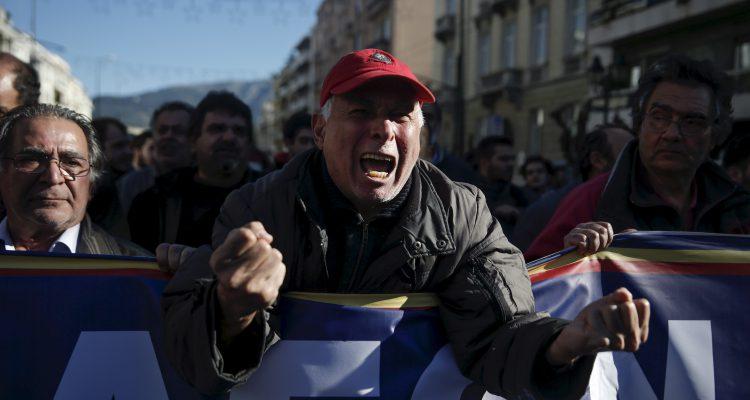 2016-01-09t182108z_1_lynxnpec080hu_rtroptp_4_eurozone-greece-pension-protest