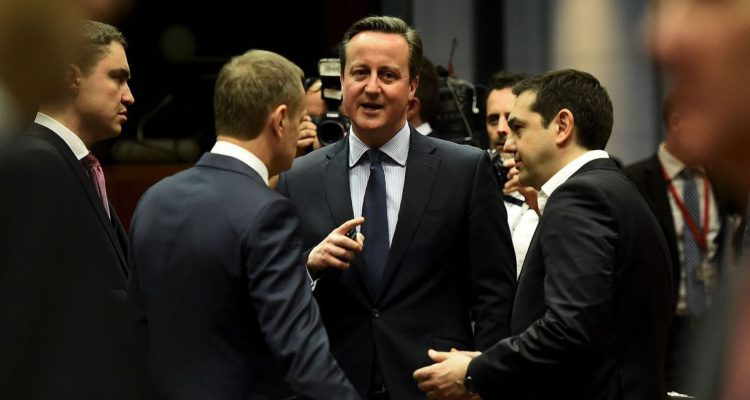 ¿Cuánto mide Alexis Tsipras? - Real height British-prime-minister-david-cameron-chats-with-greek-prime-minister-alexis-tsipras-and-european-council-president-donald-tusk-during-a-european-union-leaders-summit-in-brussels_5532759-750x400
